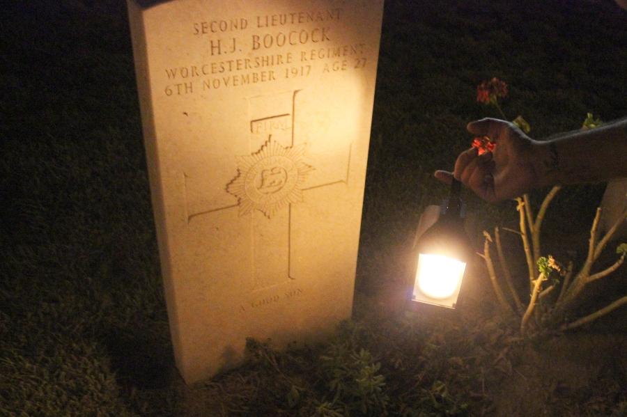 סיורי לילה בבית הקברות - --קרדיט צילום ליאור אבוטבול