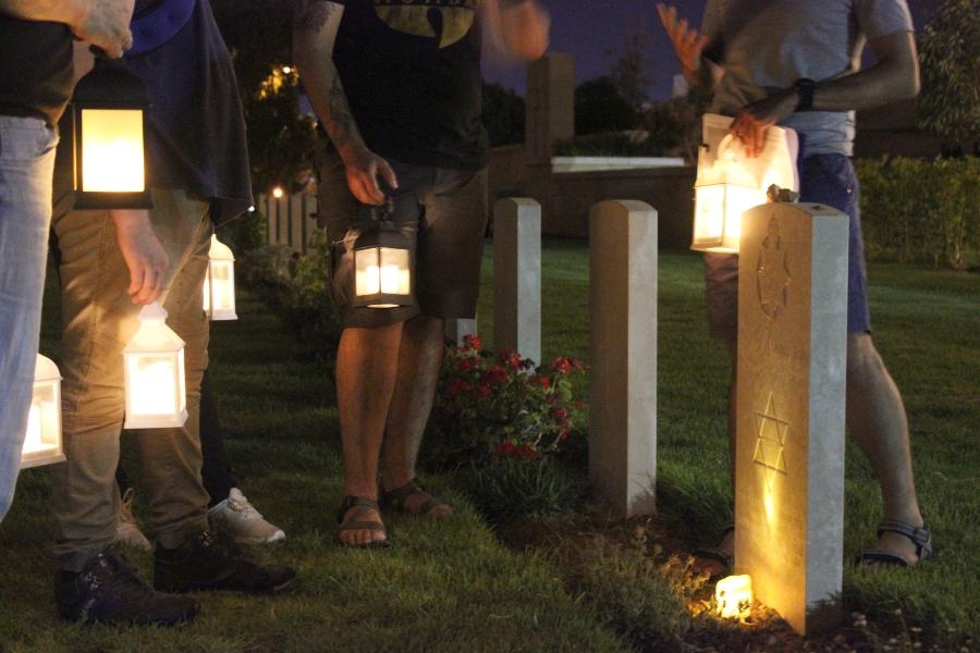 סיורי לילה בבית הקברות - קרדיט צילום ליאור אבוטבול